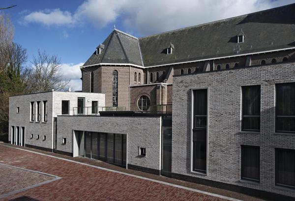 Nicolaasparochie Zoetermeer DE architekten
